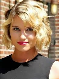 3short wavy hairstyle for thin hair