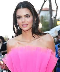 Kendall Jenner Reveals Acne Struggle On ...