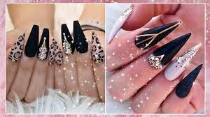 Quieres aprender como poner las uñas acrilicas facil y rapido con nuestros metodos? Lindos Disenos De Unas Acrilicas En Color Negro En Tendencia 2020 2021 Pao Beauty Youtube
