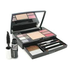 dior dior travel studio makeup palette collection voyage pact 6xe shadow 3xlipgloss maa