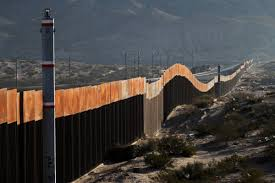 a view of the border wall between mexico and the united states in ciudad juarez