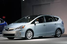 U.S. 2011 Toyota Prius V comes only with nickel-metal-hydride battery
