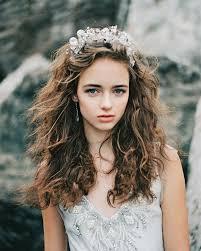 เนรมตทรงผมเจาสาวใหสวยเลศดวย Headpiece มงกฎดอกไมทไม