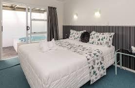 Palm Court Bedroom Furniture Book At Palm Court Rotorua 1 Bedroom Motel Unit