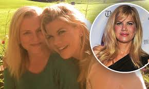 Kristen Johnston mourns the passing of her younger sister: 'I know she's  finally at peace'   Daily Mail Online