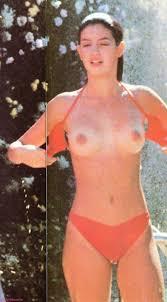 Phoebe Cates Nude Pics