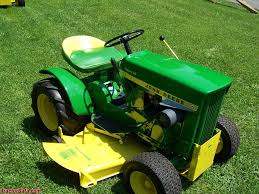 tractordata com john deere 112 tractor photos information 1967 round fender john deere model 112 hydraulic lift