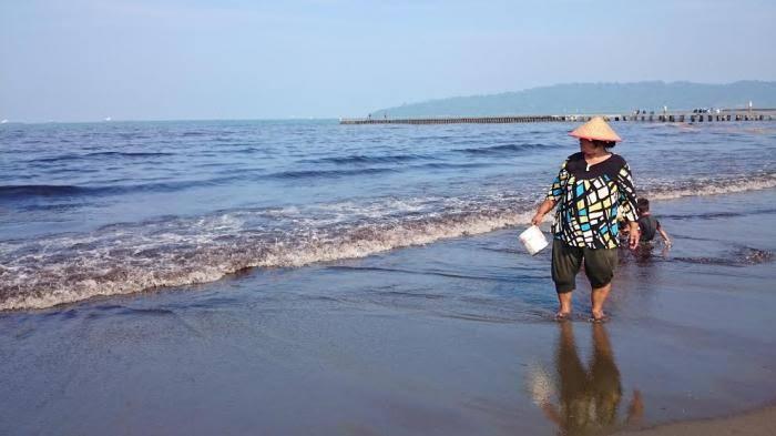 Pantai Teluk Penyu, Cilacap.