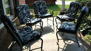 how to recover lawn chair cushions