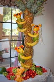 Best 25 Pineapple Tree Centerpieces Ideas On Pinterest  Tropical Fresh Fruit Tree Display