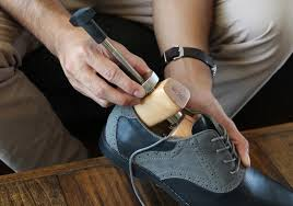 how to stretch shoes lengthwise