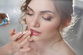 Maquillage de mariage pour une mariée rayonnante