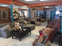Manatee YMCA opens new nifty thrift shop