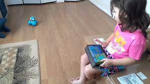 aria playing with dash robot amazon giftcard birthday gift
