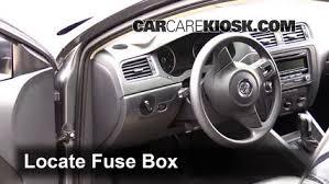 interior fuse box location 2011 2017 volkswagen jetta 2014 2014 volkswagen jetta se 1 8l 4 cyl turbo sedan 4 door fuse