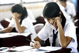 Dalam musim ujian seperti sekarang ini, banya dari kita yang butuh konsentrasi ekstra dalam belajar. Pastinya kita nggak mau gagal dalam ujian nanti.  Di bawah ini ada beberapa tips untuk dapat berkonsentrasi dalam kegiatan belajar.