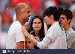 Pep Guardiola And Cristina Serra Stockfotos und -bilder Kaufen - Alamy