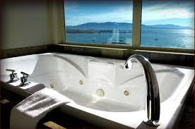 hotel rooms with jacuzzi chrysalis inn room with hot tub courtesy chrysalis inn