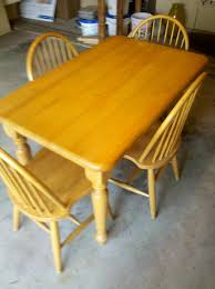 Maple Kitchen Table And Chairs Photo Maple Kitchen Table And Chairs Images