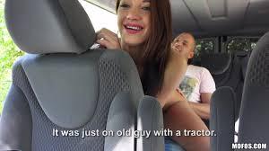 shaved pussy backseat blowjob Gosexpod free tube porn videos