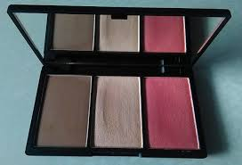 sleek makeup face form contouring and blush palette in light review4