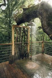 Фотография   Дома на деревьях, Наружные ванны, <b>Садовый</b> душ