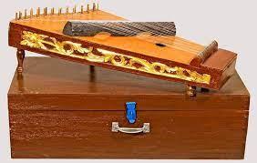 Tamborin, bedug, rebana, ketipung, bongon, konga, drum set, dan tympani. 18 Alat Musik Tradisional Yang Dipetik Lengkap