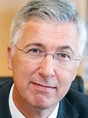 """Dr. <b>Karl Roth</b>: """"Als konventionelle Stromerzeuger sind Gaskraftwerke ideal <b>...</b> - 17926_bild_mittel2_0114_karl_roth_180"""