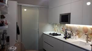 Progetto cucina ernestomeda one80 optical grigio mobili mariani