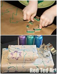 diy cookie cutter printed wrapping paper instruction 16 cookie cutter craft ideas project