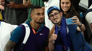 Dominic thiem is battling against a pumped up nick kyrgios and a fiery home crowd as he looks to complete an epic comeback. Krpimtwiwoow4m
