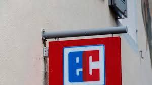 santander bank jobs geplante fusion santander deutschland streicht 100 filialen und 600