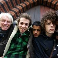 Someone Purer Paroles – MYSTERY JETS – GreatSong