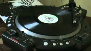 bose turntable. my hitech turntable \u0026 bose speaker @ vinyl collection (american boy ) dj.jertr n