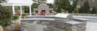 oudoor kitchen and concrete countertops