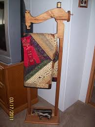 Free Standing Quilt Display Rack Cool 32 Best Exhibit Images On Pinterest Quilt Display Quilt Racks And