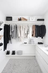 the minimalist wardrobe