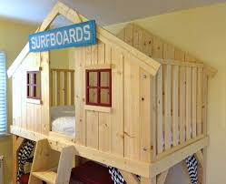 clubhouse wood bed 03