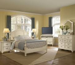 Pine And White Bedroom Furniture Antique White Furniture Bedroom Raya Furniture