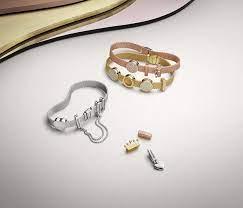 charm bracelet its
