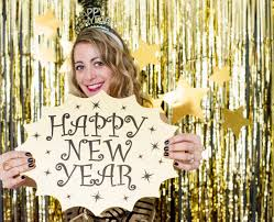 how to make an easy gold fringe photobooth for a new year s party