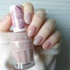 ピンクベージュグレージュネイル 珍しくワンカラーではなく2色交互塗り