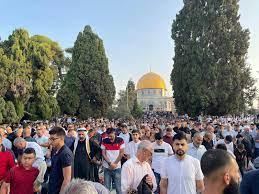 الاف الفلسطينيين يؤدون صلاة العيد بالمسجد الأقصى (صور) - اخبار عاجلة