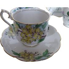 Royal Albert Hawthorne Tea set Flower of the Month c 1950s in 2020 |  Hawthorne tea, Tea set, Tea