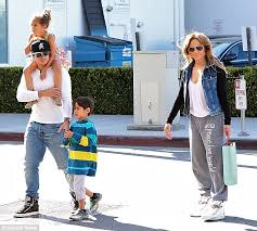 casper smart and jennifer lopez kids. playing the part: casper smart appeared to be a father figure while out with jennifer and lopez kids o