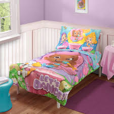Nickelodeon 4-Piece Toddler Girl's Bed Set - Bubble Guppies