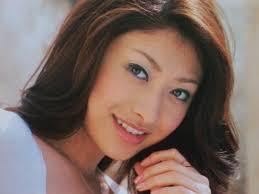 山田優が激痩せしまくっててヤバイ画像病気拒食症離婚と心配され