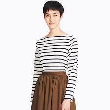 uniqlo model in striped long sleeve tee