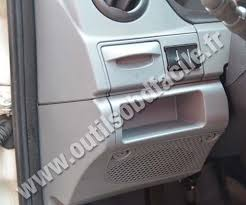 obd2 connector location in iveco daily 2009 2013 outils obd facile iveco daily dashboard
