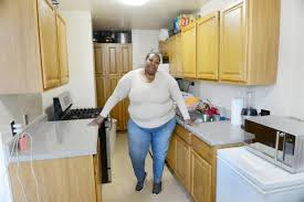 Photo 8 Of 8 2 Bedroom Houses For Rent Section 8 Part   45: Dereese Huff  Stands In Her